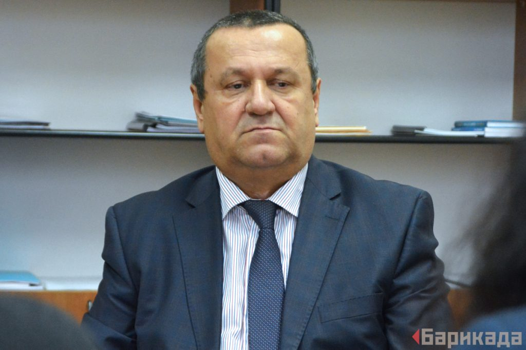 Председателят на Комисията по труда, социалната и демографска политика Хасан Адемов от ДПС.