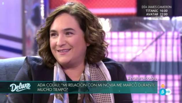 Ада Колау по време на телевизионното интервю
