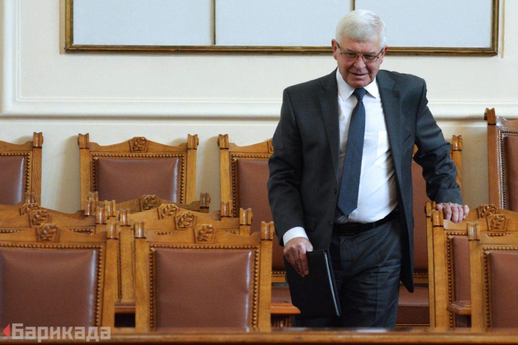 Министърът на здравеопазването Кирил Ананиев в парламента