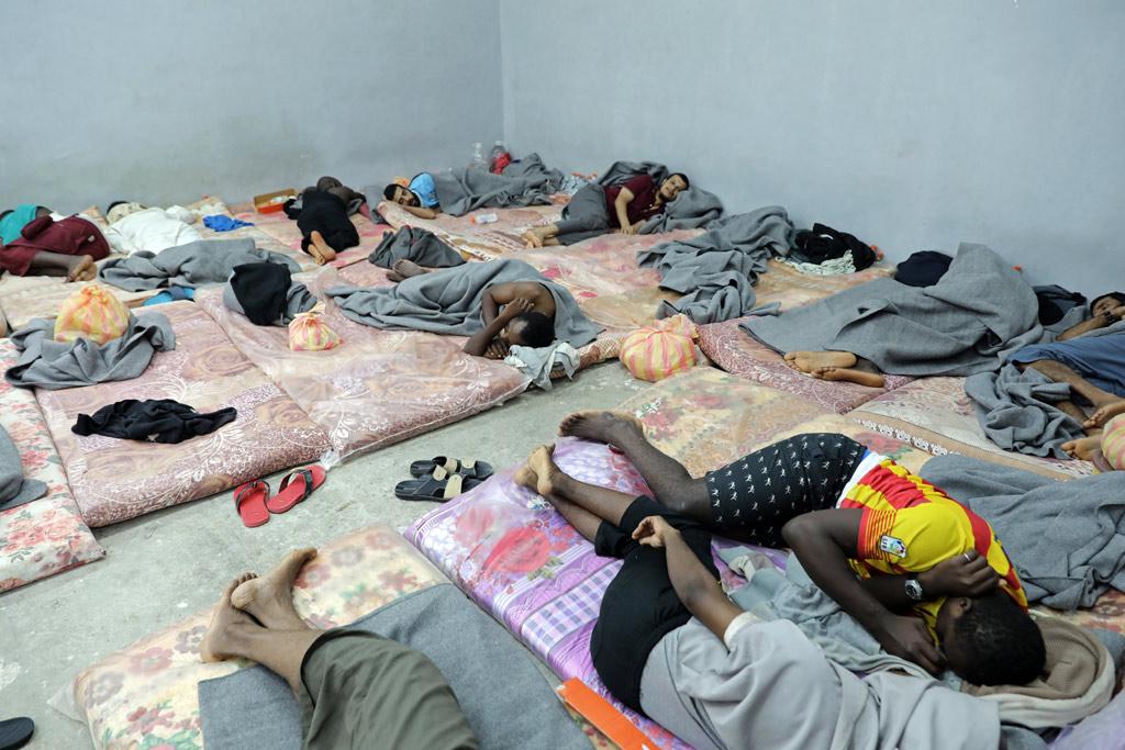 Мигрантите в Либия са държани безсрочно в претъпкани центрове за задържане, където малтретирането е систематично. Снимка: http://www.un.org