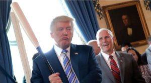 Американският президент Доналд Тръмп не крие желанието си чрез санкциите да предизвика падане на венесуелското правителство