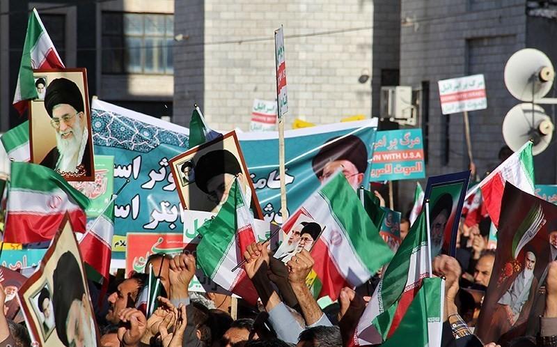 В отговор на протестите се организират и масови про-правителствени демонстрации. Снимка: Wikimedia Commons.