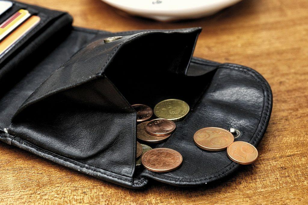 money-79657_1280