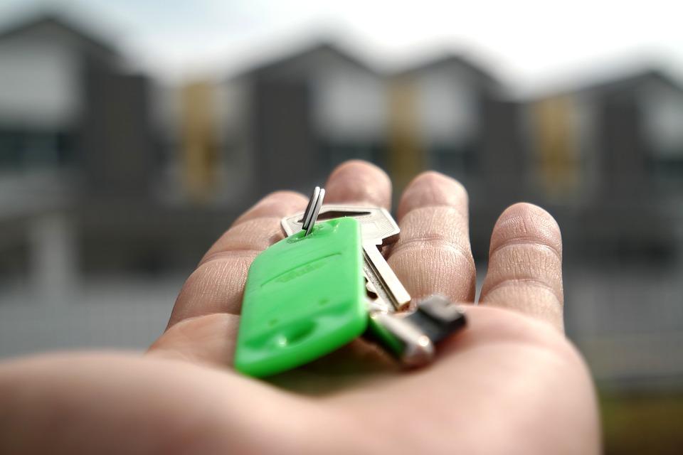 Повишените цени на наемите засягат непропорционално домакинствата с по-ниски доходи. Снимка: pixabay.com
