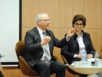 Ищван Секели и Маринела Петрова по време на представянето на доклада в рамките на Европейския семестър. Снимка: Барикада
