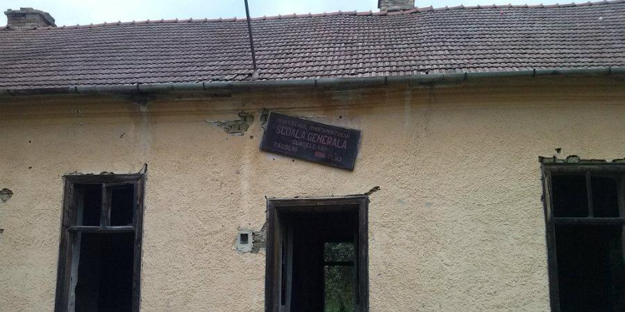 Когато образованието е приоритет - бившето училище в село Таушени, окръг Клуж (снимка: Валер Симион Козма)