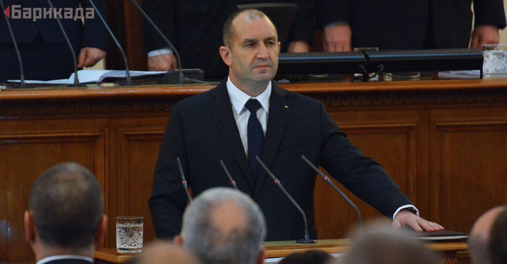 """За първи път от клетвата си насам, държавният глава Румен Радев успя да спре успешно закон с вето. Снимка: Николай Драганов, """"Барикада"""" ©"""
