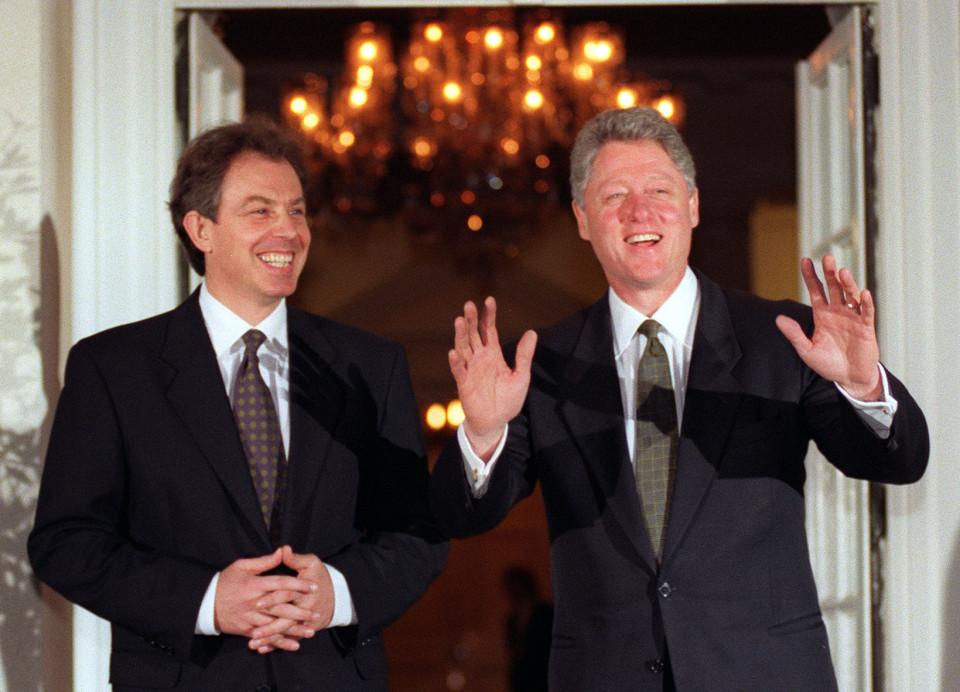 """През 90-те Лейбъристката партия на тони Блеър и Демократическата партия на Бил Клинтън бяха основни двигатели зад износа на политиките на """"третия път"""" по цял свят"""
