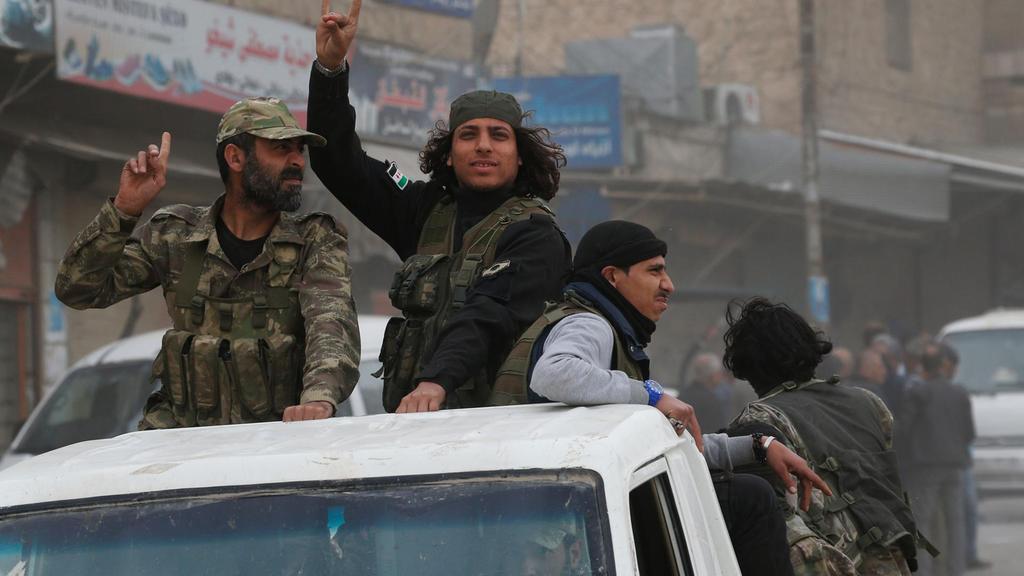 Про-турски ислямистки бойци след завладяванвсро на Африн. снимка: AP