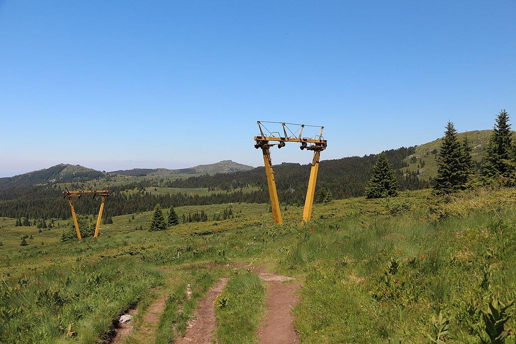 """Неработещият лифт """"Конярника"""". Снимка: Wikimedia Commons"""