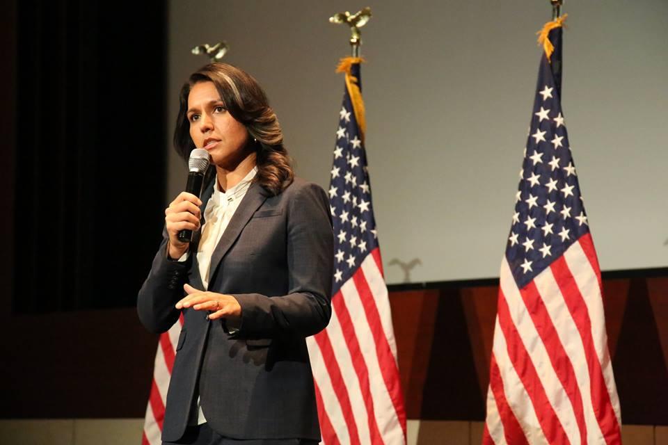 Тулси Габард е сред малкото гласове в Конгреса, противопоставящи се на безкрайните войни, водени от САЩ. Снимка: www.facebook.com/RepTulsiGabbard