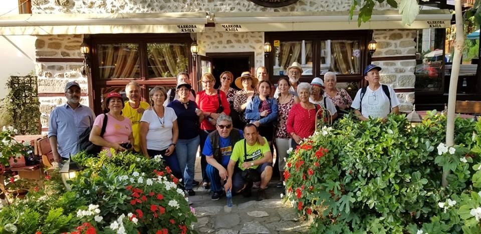 Част от гостуващите сега у нас български възпитаници от Латинска Америка. Снимка: Фейсбук