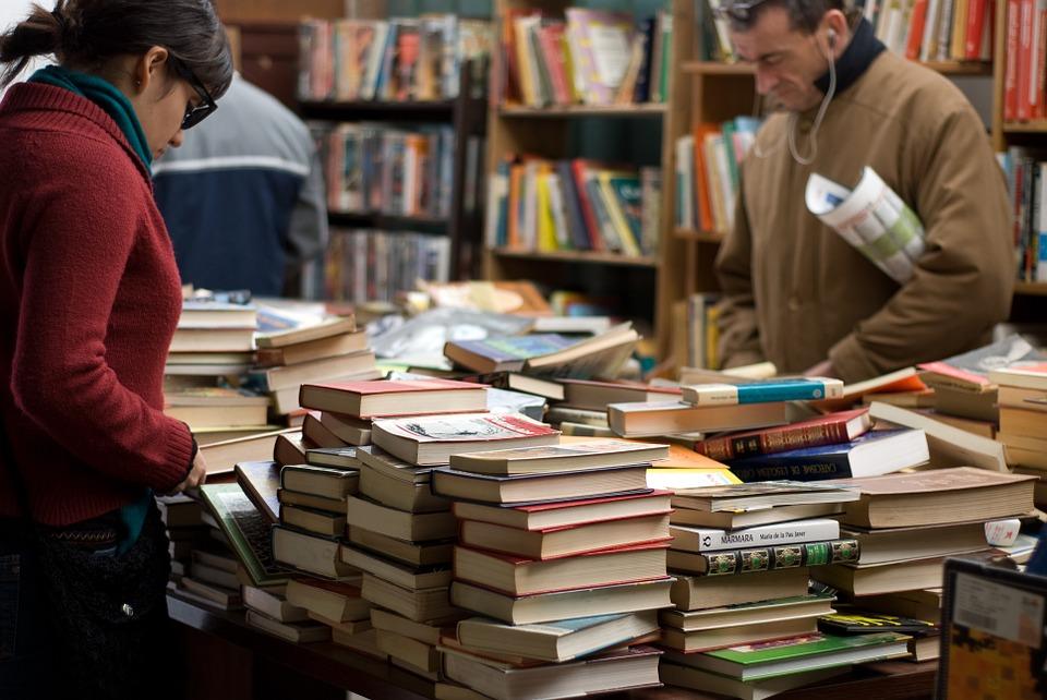 За голяма част от населението книгите са неоправдан лукс на фона на лишенията. Снимка: Pixabay
