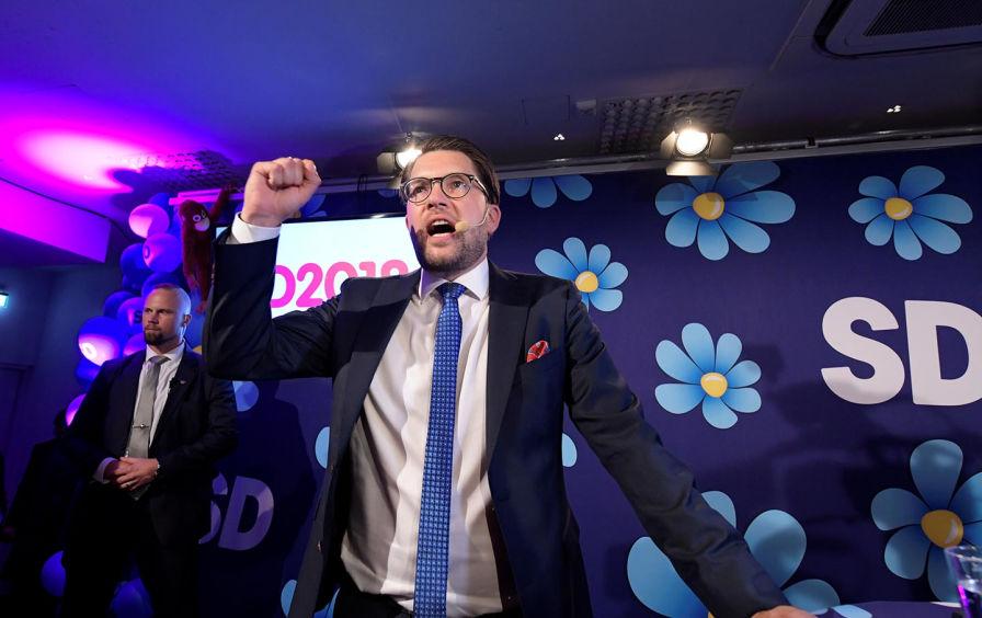 Лидерът на Шведски демократи Джими Акесон в изборната нощ. Снимка: Ройтерс