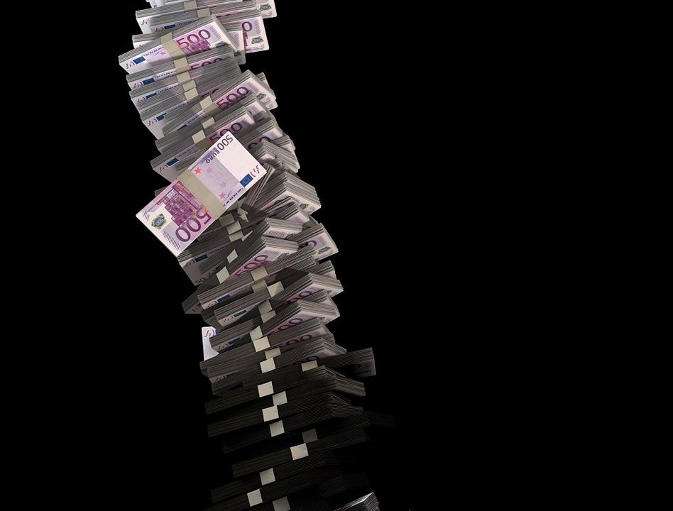 Таванът прави осигуровките регресивен данък, от което наистина печелят само супербогатите. Снимка: Pixabay