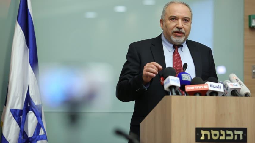 Либерман обявява изтеглянето си от кабинета. Снимка: Haaretz