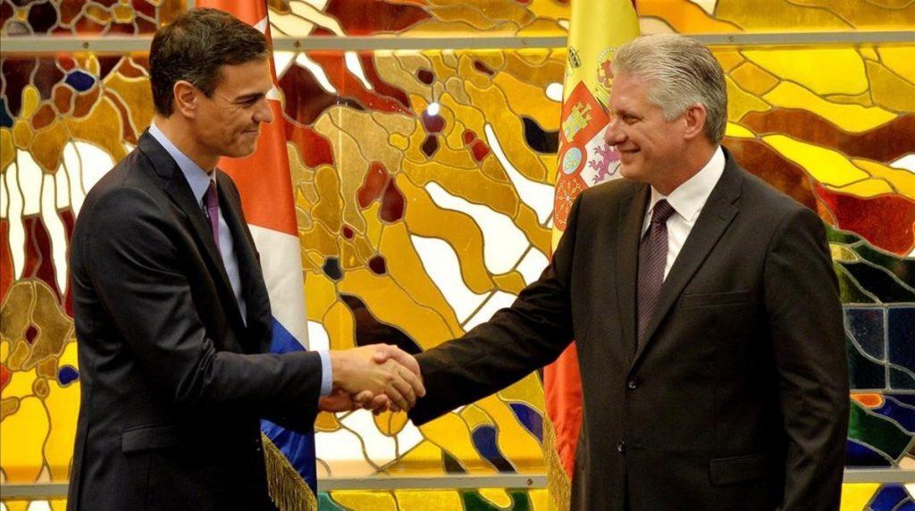 Испаkският премиер Педро Санчес и кубинският президент Мигел Диас-Канел в Хавана. Снимка: Prensa Latina