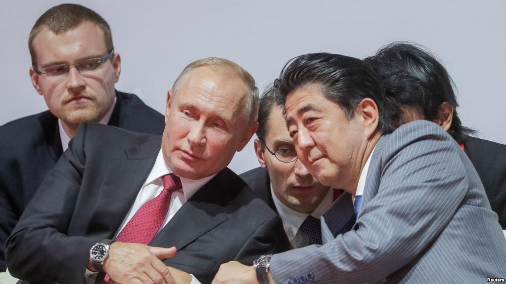 Както Путин, така и Абе имат интерес да оставят териториалните диспути зад гърба си