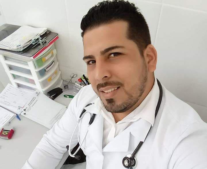 Кубинският доктор Йонер Гонсале Инфанте. Снимка: conexaojornalismo