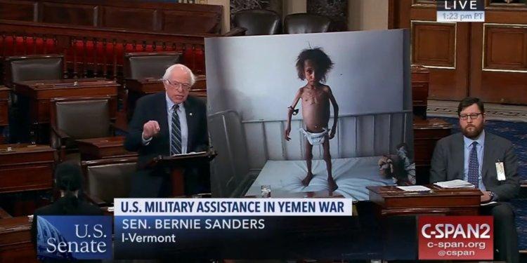Сенатор Бърни Сандърс е от малцината членове на Конгреса, които от години водят активна борба за прекратяване на участието в Йеменската война.