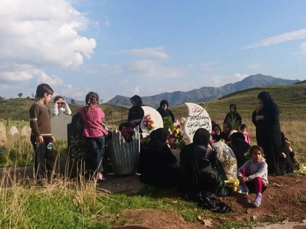 Семейството на  Химдат Осман Дарвиш отбелязва годишнината от убийството му.  Снимка: Катлийн Керн.