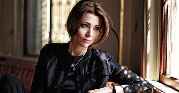 Снимка: www.elifsafak.com