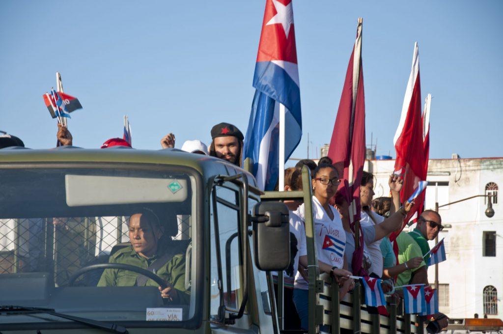 Сред младите участници в сегашната Колона на свободата някои се бяха дегизирали като легендарни герои от революцията. Снимка: Cubahora