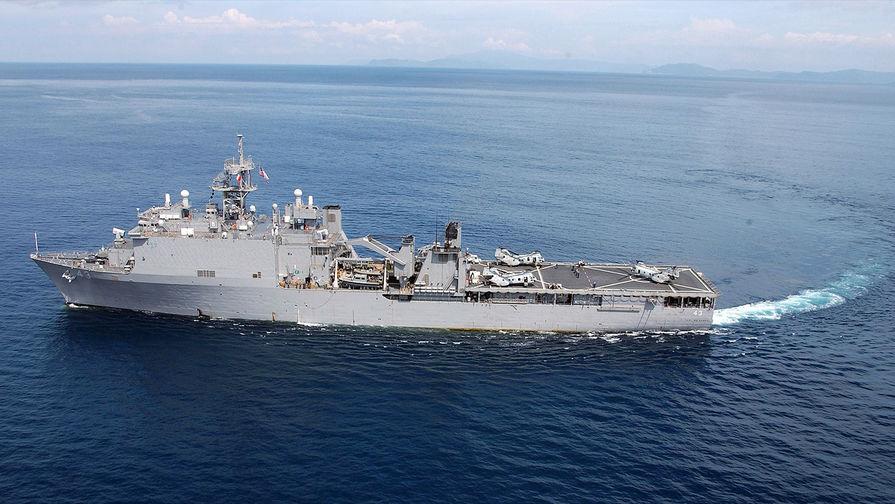 "Американският десантен кораб ""Форт МакХенри"" (USS Fort McHenry). Снимка: US Navy"