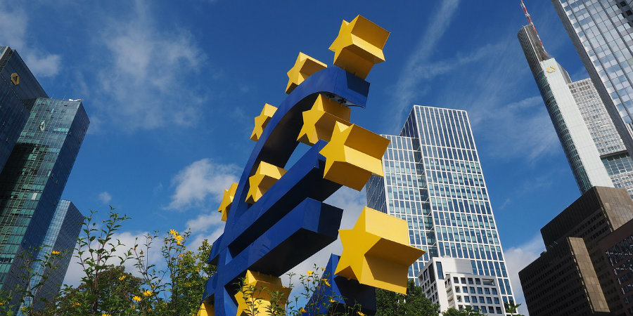 euro-sculpture-900x450