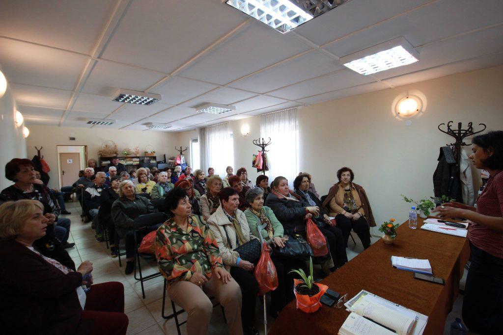 """Участници в обиколката """"Да спрем прехода към дъното"""" разговаряха с членове на Съюза на инвалидите в България от Пловдив и региона"""