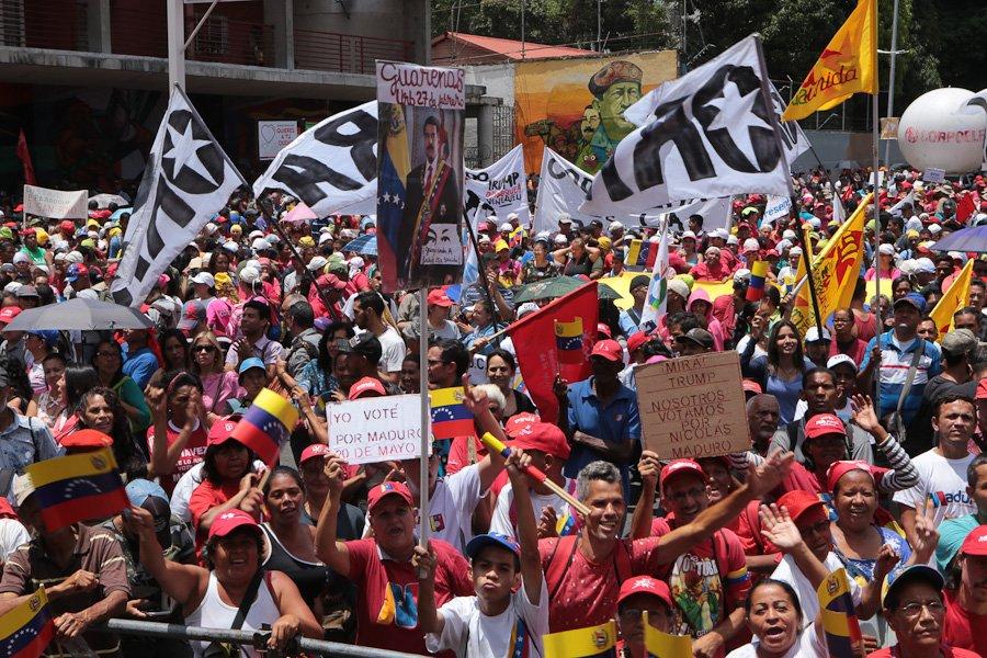 С масов митинг в Каракас бе отбелязана първата годишнина от победата на държавния глава Николас Мадуро в президентските избори през 2018-та. Снимка: Prensa Presidencial