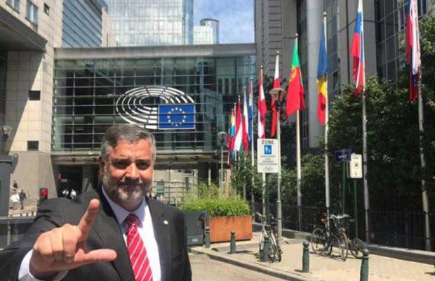 Бразилският депутат от Работническата партия Пауло Пимента пред Европарламента в Брюксел. Снимка: Comitê Lula Livre Bruxelas