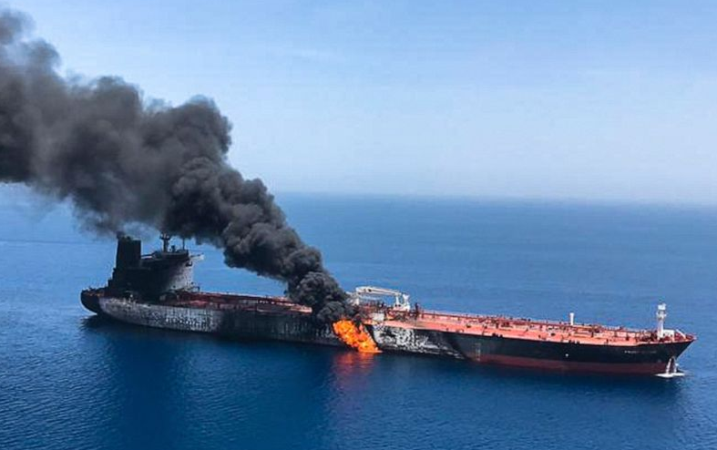 Screenshot_2019-06-18 tanker-fire-ap-ml-190613_hpMain_4x3_992 jpg (JPEG Image, 992 × 744 pixels)