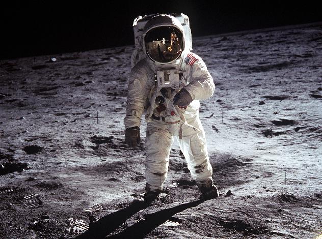 Бъз Олдрин на лунната повърхност. Снимка: Wikimedia Commons