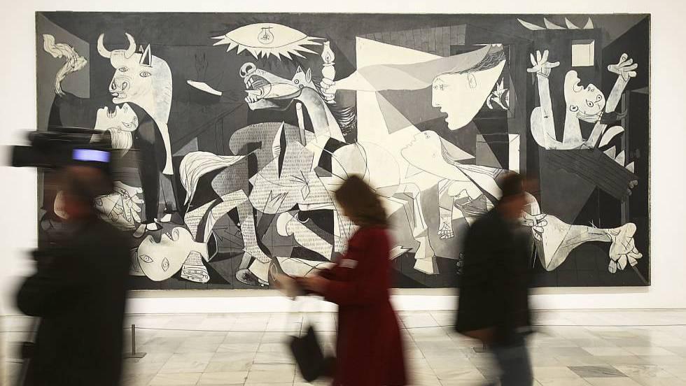 """Картината """"Герника"""" на Пабло Пикасо е най-прочутата творба от колекцията на музея """"Кралица София"""" в Мадрид. Снимка: EFE"""