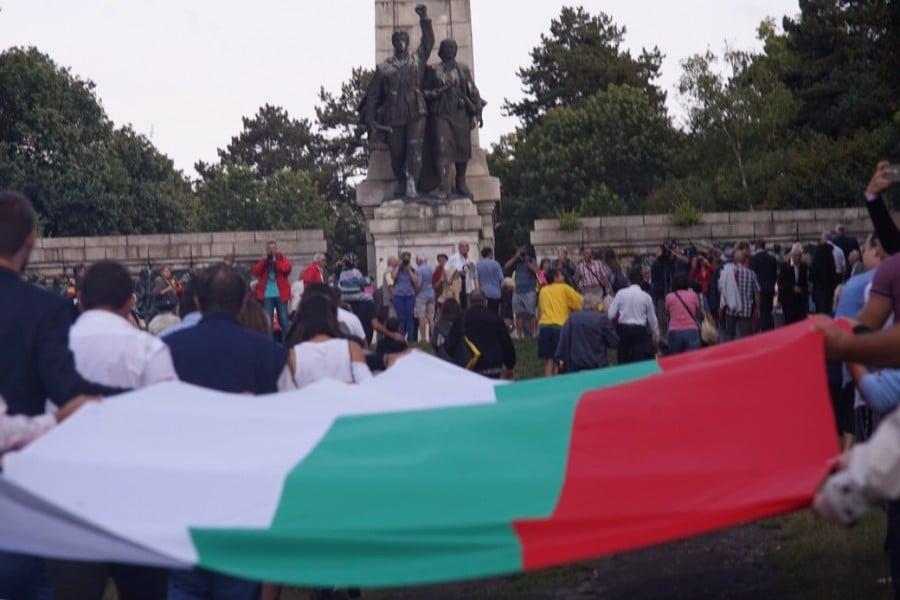 Проявите за отбелязване на 75-годишнината от 9 септември 1944 г. ще завършат с митинг край Братската могила. Снимка: БАС