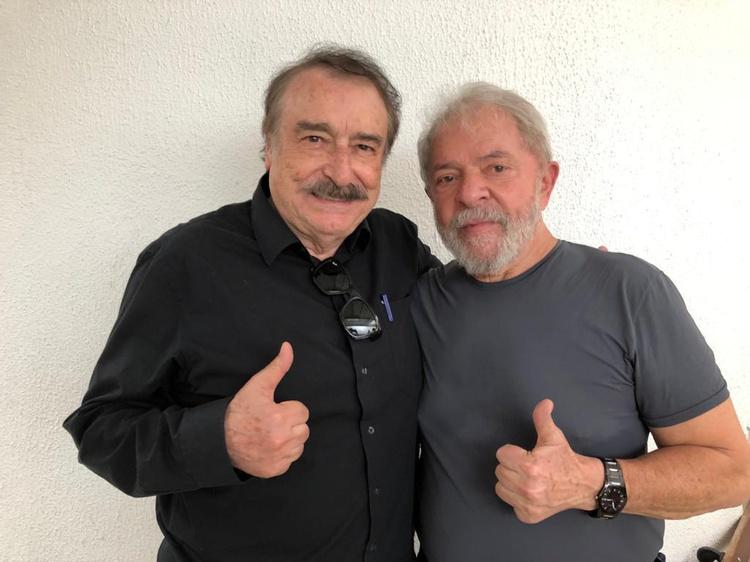 Игнасио Рамоне и Инасио Лула да Силва в затвора в Куритиба. Снимка: pensarpiaui