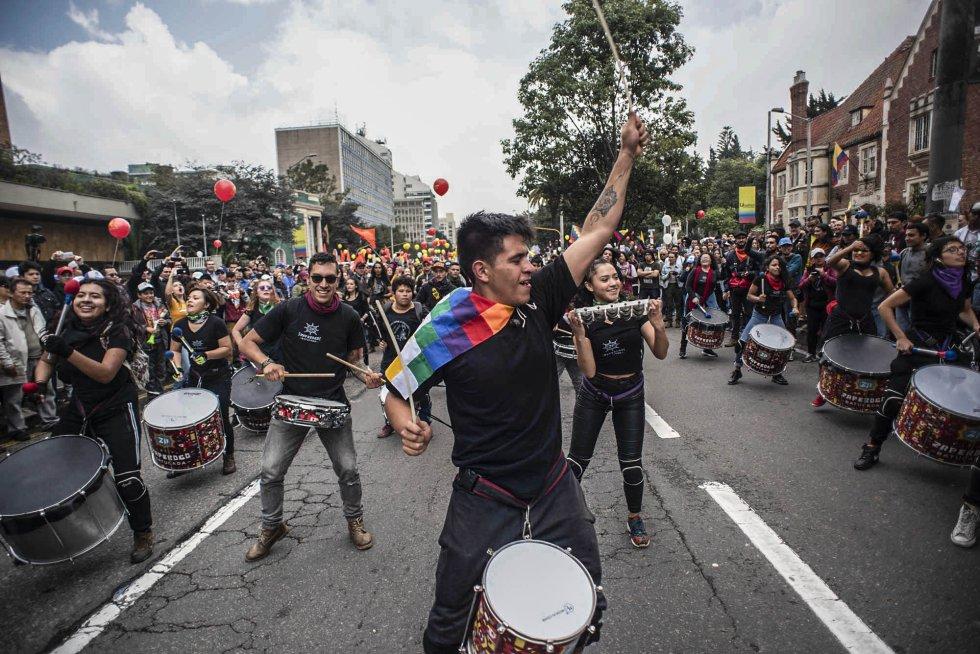Песните и танците присъстваха активно в протестните шествия из Колумбия на 21 ноември. Снимка: El Pais