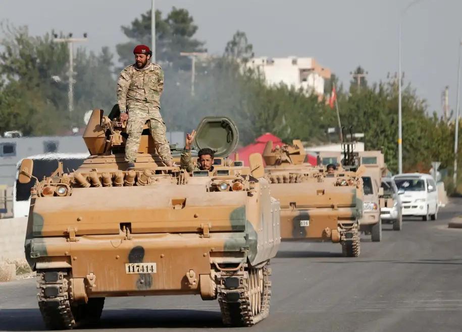 Ислямистките милиции са подкрепяни от турска артилерия, авиация и бронирана техника. Снимка: Ройтерс.