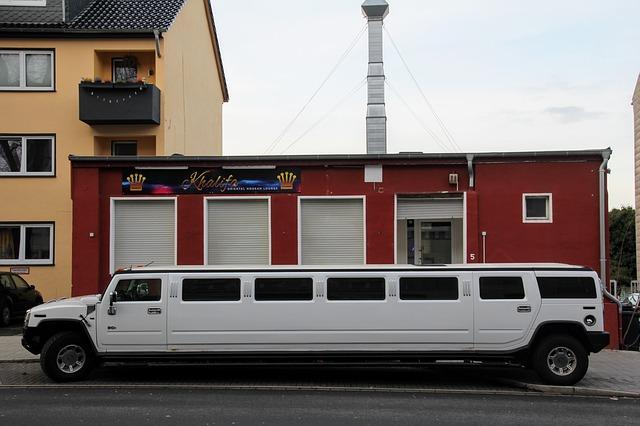 limousine-2041169_640