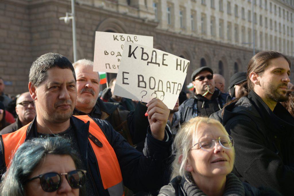"""Снимка: Николай Драганов, """"Барикада"""""""