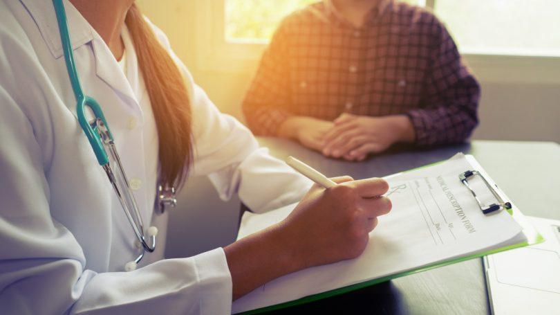 Неуточнено към момента е как се отразяват върху броя на болничните регистрирани вече злоупотреби, но не от страна на работниците. Снимка: bizneo.com