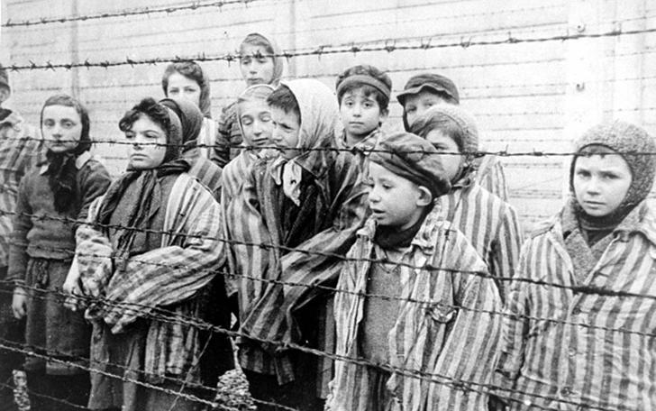 Деца концлагеристи в Освиенцим. Снимка: bigpicture.ru