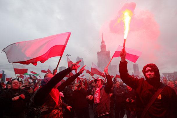 Ултрадесните шествия из центъра на Варшава вече се провеждат всяка година навръх  11 ноември - Деня на независимостта на Полша. Снимка: ТАСС