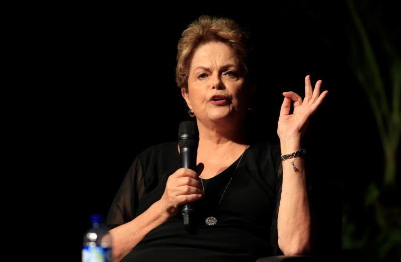 Дилма Русеф по време на участието си в дискусията на Hay Fesrival. Снимка: noticias.yahoo.com