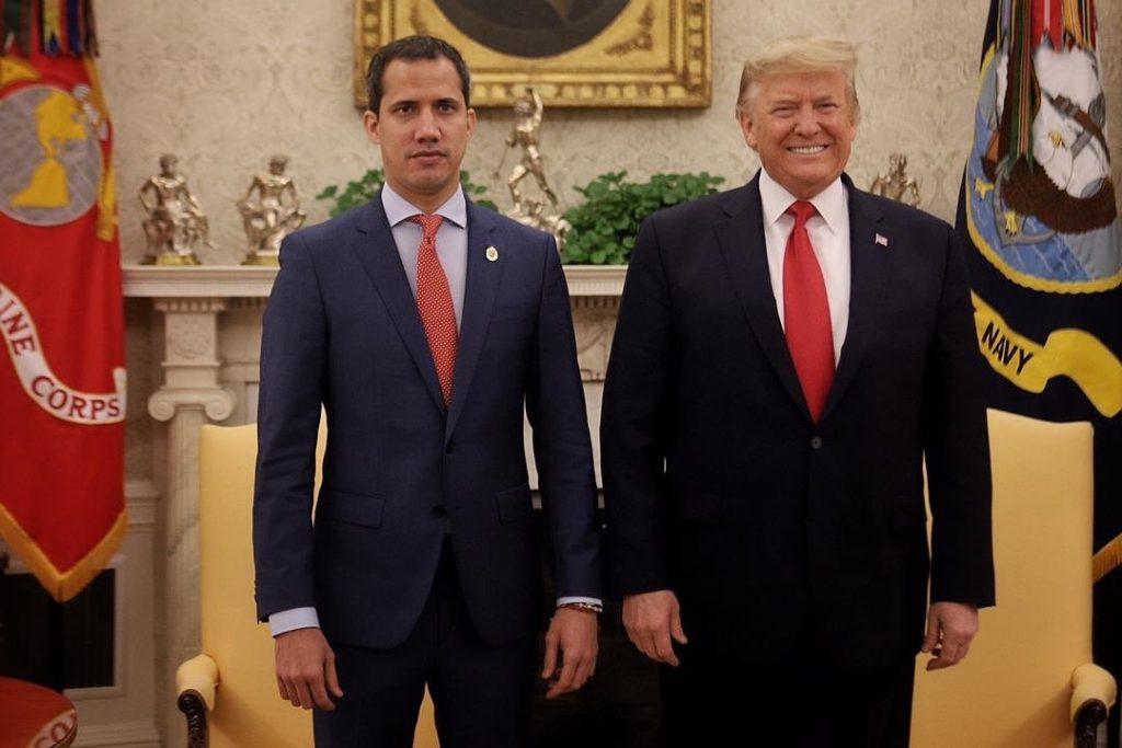 Хуан Гуайдо и Доналд Тръмп при срещата им в Белия дом. Снимка: Туитър