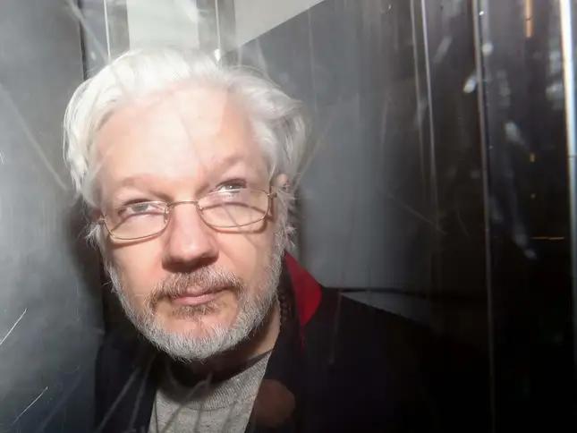 Screenshot_2020-02-24 assange jpg (Изображение WEBP, 645 × 484 пиксела)