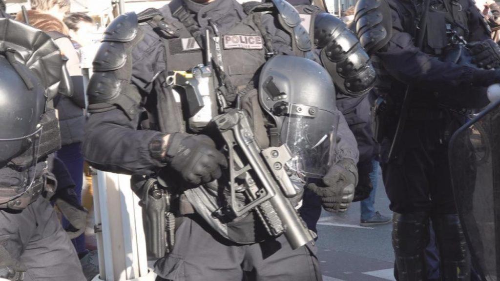 w1240-p16x9-EN NW PKG FOCUS 0123 FRANCE POLICE BRUTALITY