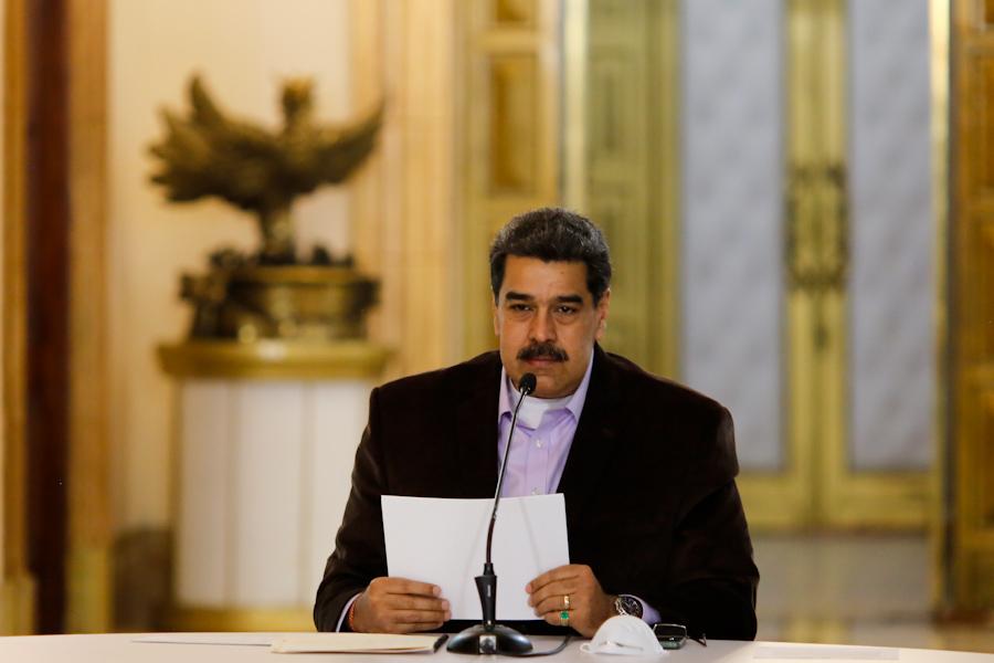 Президентът на Венеусела Николас Мадуро по време на обръщението си, с което обявява карантина заради Covid-19. Снимка: Prensa Presidencial