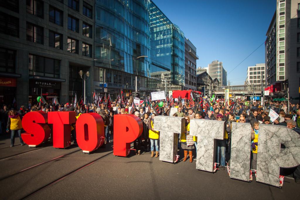Протест срещу TTIP в Берлин, 2015-та година. Снимка: Jakob Huber / Campact